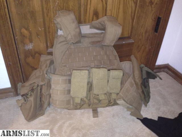 I Have A USMC Eagle Industries Scalable Plate Carrier With Steel Front,  Back And Side Steel Sapi Plates. Also Has A Blakhawk 6 AR Mag Pounch On The  Front ...