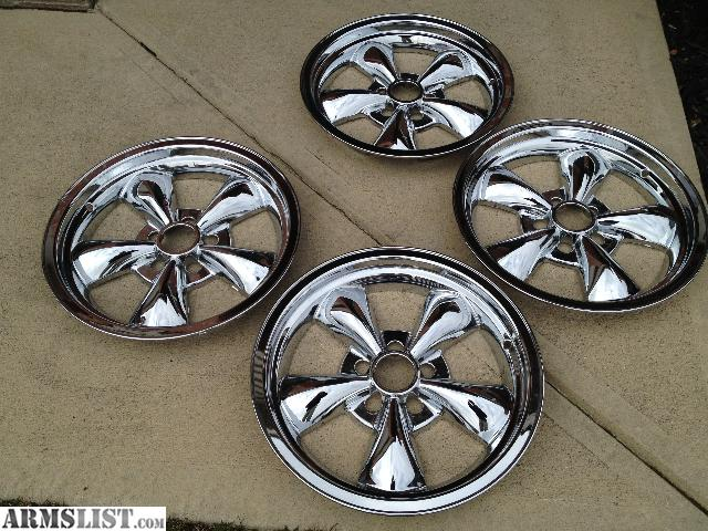armslist for sale trade chrome mustang wheel covers wheels tires. Black Bedroom Furniture Sets. Home Design Ideas
