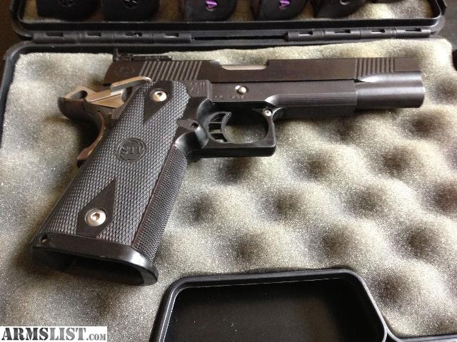 ARMSLIST - For Sale: STI 2011 Frame Caspian Slide .40 Cal Limited ...