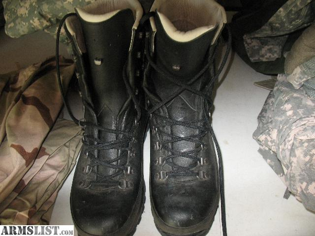 ARMSLIST - For Sale: Lowa GTX combat Boots