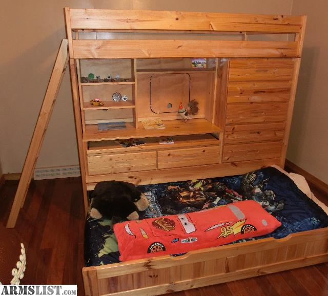 armslist for sale quality pine bunk bed w desk and dresser. Black Bedroom Furniture Sets. Home Design Ideas