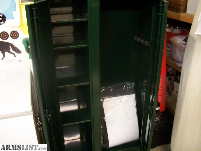 ARMSLIST - For Sale: Stack-On 10 gun 2 door cabinet