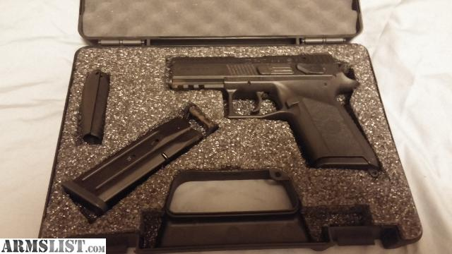 ARMSLIST - For Sale/Trade: CZ P-07 with Black Dog Concealment ...