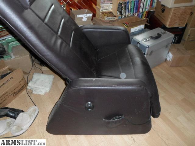 ARMSLIST - For Sale/Trade: Zero gravity Massage chair