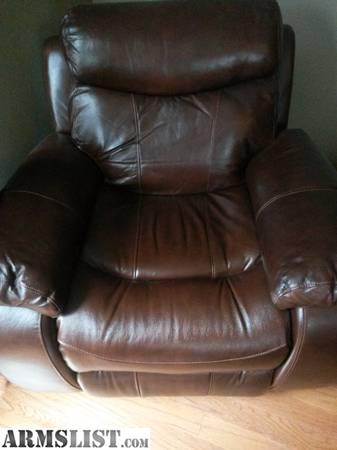 Superb We Bought Less Than A Year Ago And It Doesnt Get Used. Brand New At  Havertys It Is 650 And Gets 5 Stars. Absolutely Nothing Wrong With This  Chair ...