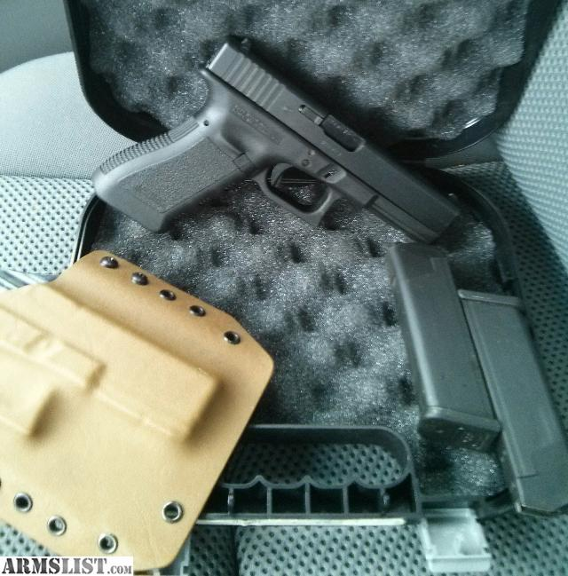 ARMSLIST - For Sale/Trade: Glock 17 gen 3 9mm + holster