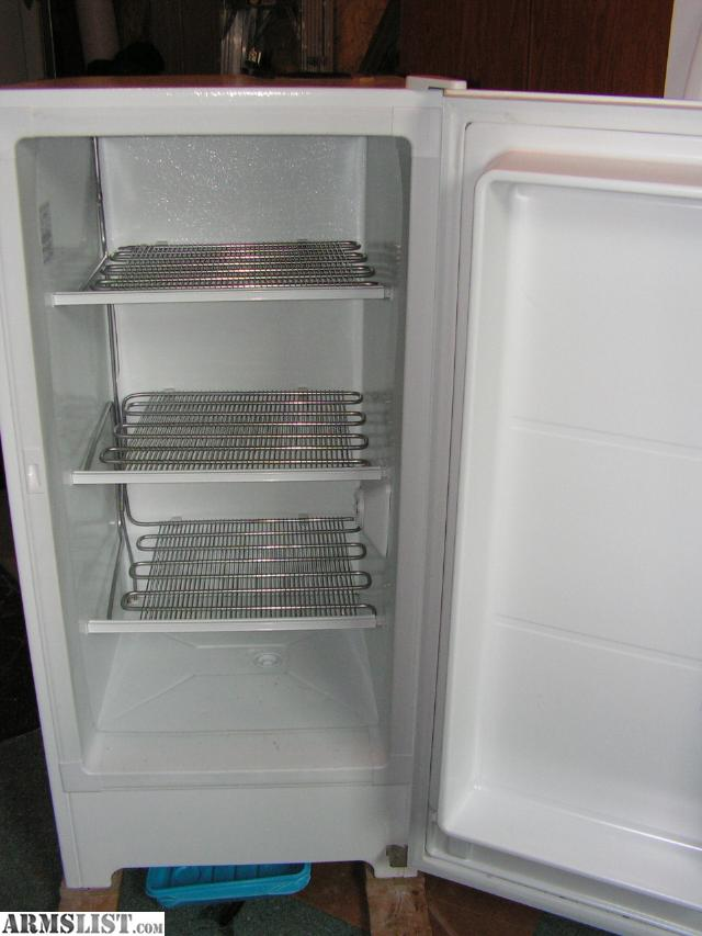 frigidaire upright freezer white 87 cubic feet manual defrost great little freezer still have the manual estimated yearly operating cost is around 31 - Frigidaire Upright Freezer