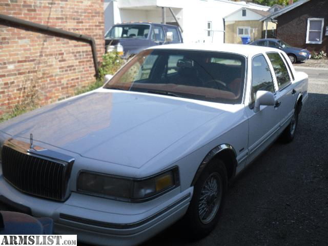 armslist for sale trade 1995 lincoln town car executive. Black Bedroom Furniture Sets. Home Design Ideas