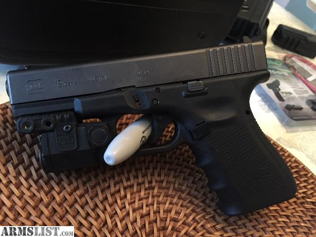 ARMSLIST - For Sale: Glock 19 Gen 4 + laser/light mount
