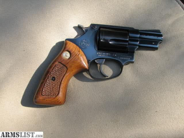 Deactivated Taurus Model 85 38 Special Revolver And – Fondos de Pantalla