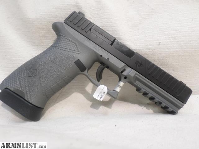 ARMSLIST - For Sale: Diamondback DB9 9mm, full size