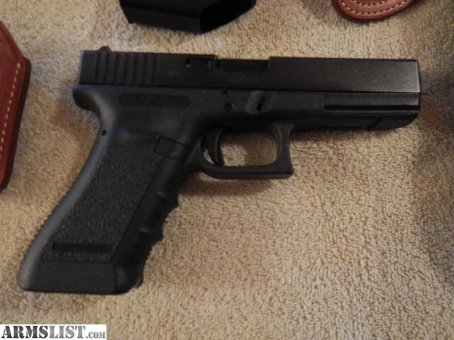ARMSLIST - For Sale: Glock 17 9mm w/ 2 Holsters and Extra ...