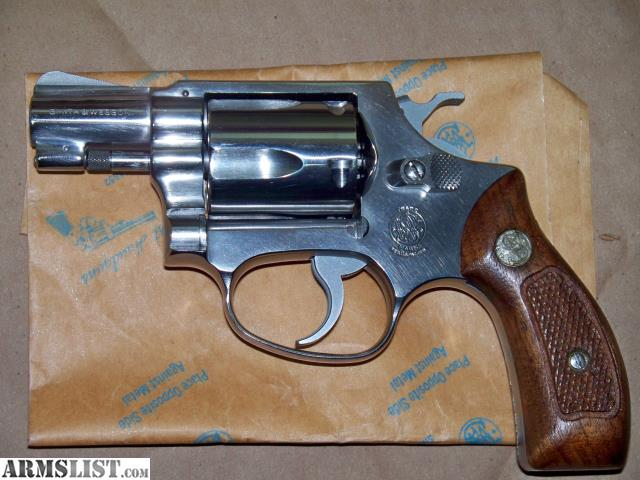 dating smith and wesson model 60 The smith & wesson model 60, the worlds first stainless steel revolver, was a success from its introduction in 1965 praised by both law enforcement and sportsmen, the model 60 was a stainless steel version of the chiefs special® and began the era of s.