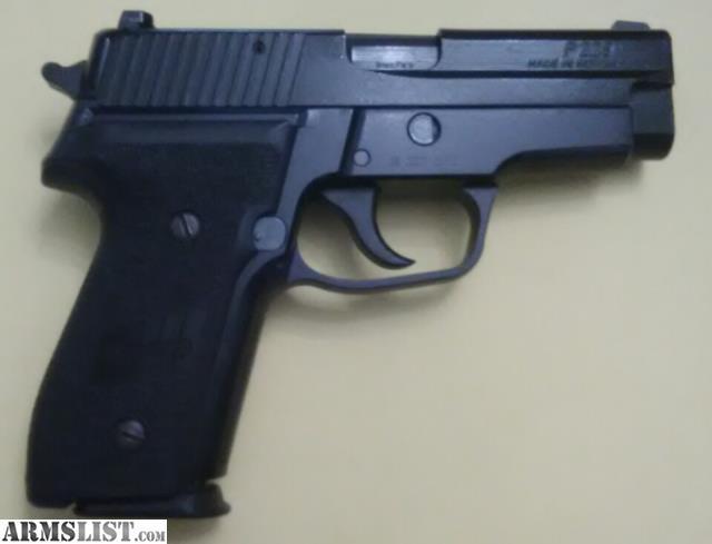Good Condition SIG Sauer P228 9mm 10 Round Magazine