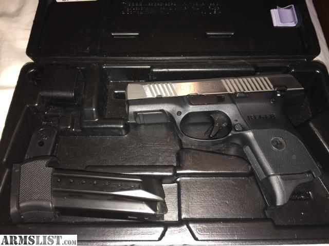 ARMSLIST - For Sale: 9mm Ruger SR9C