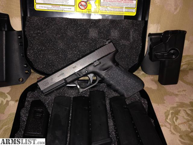 ARMSLIST - For Sale: Glock 17 w/lots of accessories, new