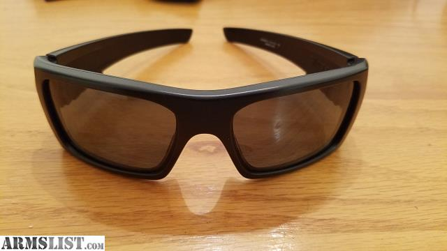 de8d21f44b1 Oakley Ansi Z87.1 Sunglasses