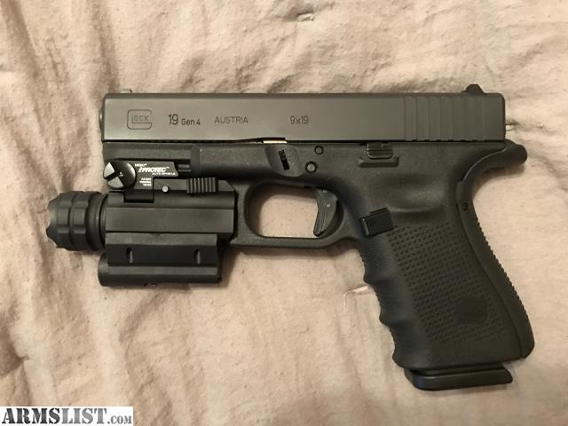ARMSLIST - For Sale/Trade: Glock 19 Gen 4 w/light & laser