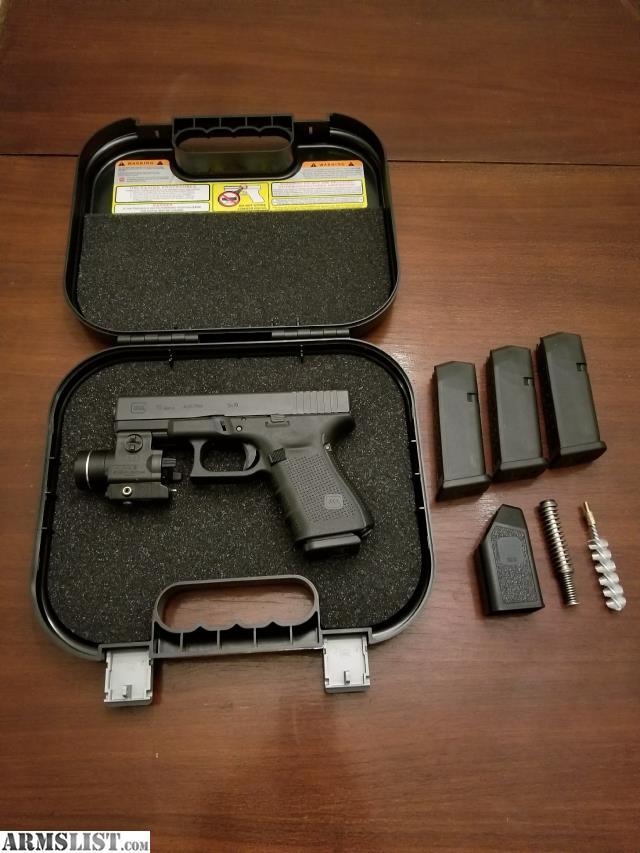 ARMSLIST - For Sale: Glock 19 Gen 4 with Laser/Light Combo ...