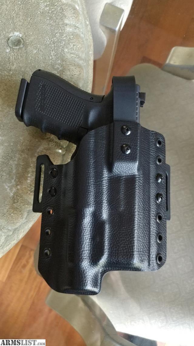ARMSLIST - For Sale: CZ P-10 C/Glock 19/23 OWB holster, TLR