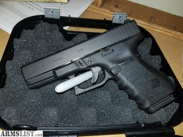 ARMSLIST - For Sale: Glock 19 gen 3, Night sights