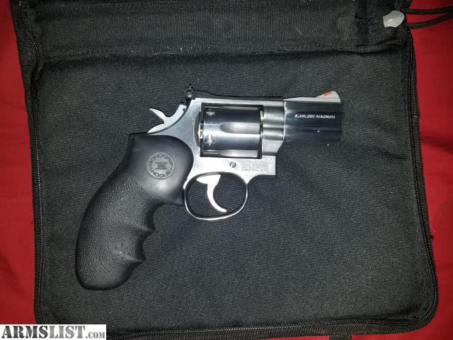 Selling My Smith Wesson 686 3 Snub Nose Revolver This 357 Is In Amazing Codition Overall Perfect Timing And Tight Lock Up Does Not Have The Original