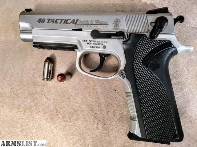 ARMSLIST - For Sale: Smith & Wesson Full Size 4003TSW 40
