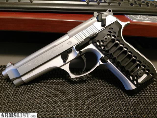 ARMSLIST - For Sale: Beretta 92FS INOX