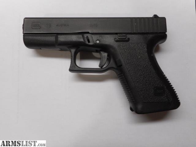 ARMSLIST - For Sale: Early Gen 2 Glock 19