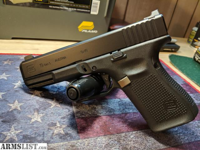 ARMSLIST - For Sale/Trade: Glock 19 Gen  5 w/extras