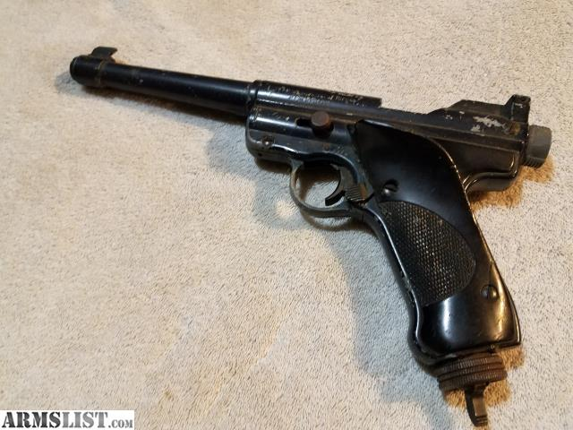 crosman vintage pistols