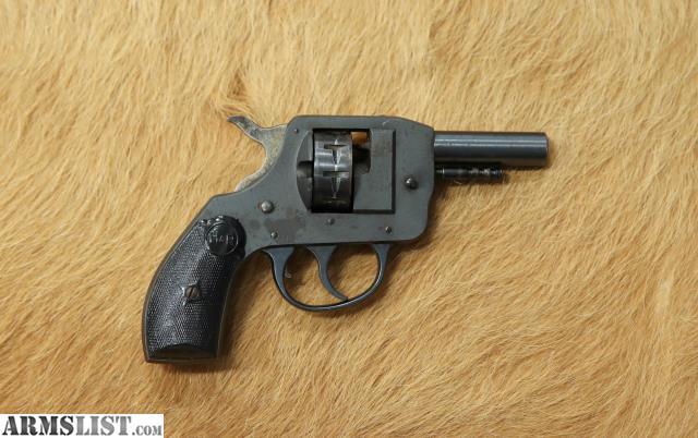 ARMSLIST - For Sale: H&R Starter Pistol  22—shoots blanks  STR 022