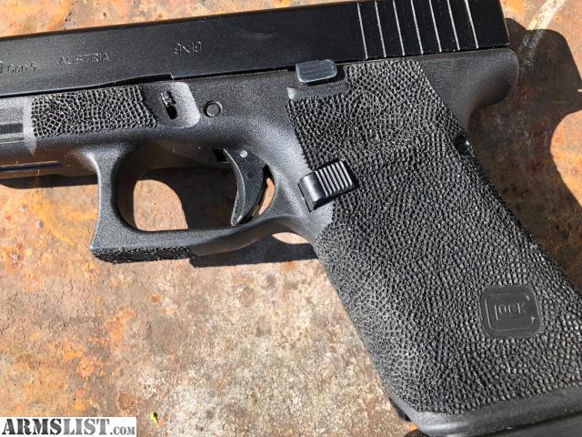 ARMSLIST - For Sale: Stippled Glock 19 Gen 5 Package