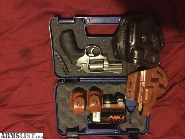 For Sale Trade Smith And Wesson 686 6 With Holsters Speed Loaders More