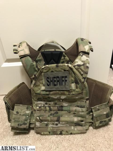 Beautiful Tactical Tailor Fight Light MULTICAM Plate Carrier In Size MEDIUM. Pictures