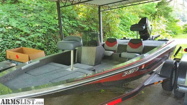 1986 Procraft 1650V 165 Bass Boat With A 1985 Mercury 115HP 2 Stroke And 36lb Thrust Motorguide Trolling Motor