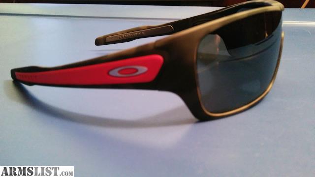 3f0b1627e5 Oakley s Turbine Rotor Sunglasses - Black Iridium Polarized - Black and  Grey Camo Frame - 2 sets of ear socks Red and Grey - Polished Chrome Oakley  O s ...