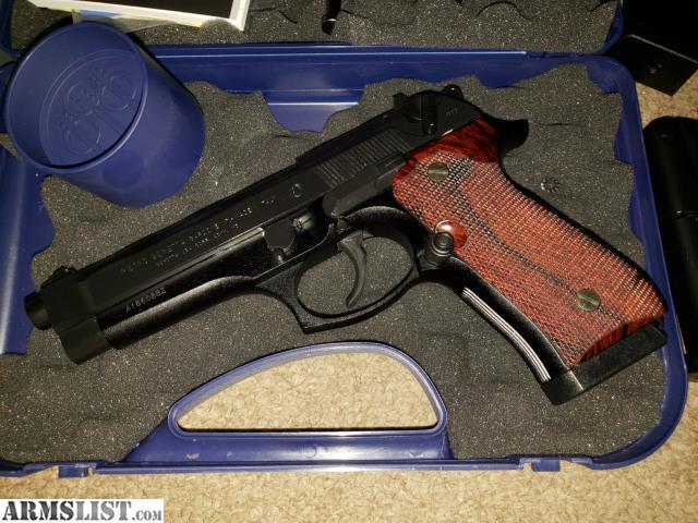 ARMSLIST - For Sale: Beretta 92FS Italian Made 9mm w/extras