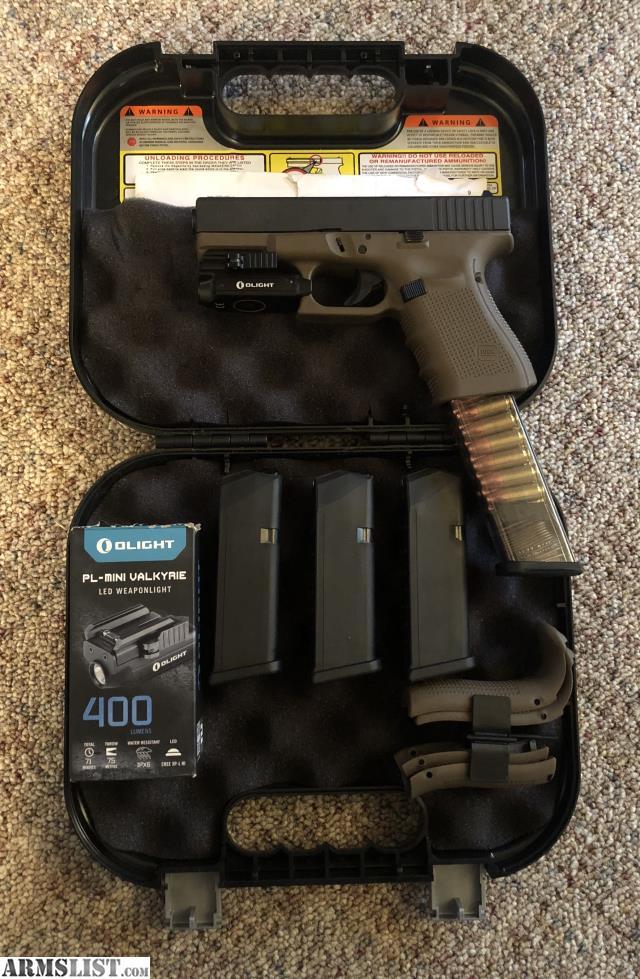 ARMSLIST - For Sale: Glock 19 Gen 4 FDE + Light + Extended ...