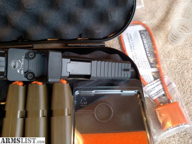 ARMSLIST - For Sale: PRICE DROP !!Glock 19 FDE frame RMR   LNIB