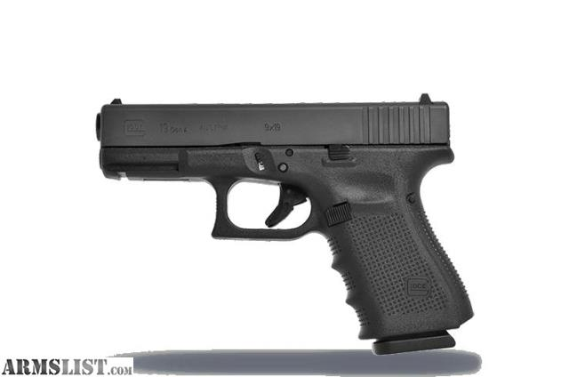 ARMSLIST - Want To Buy: Beretta M9 or Glock 19