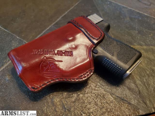 ARMSLIST - For Sale: Kahr PM9 Leather Holster & 2 Magazines!