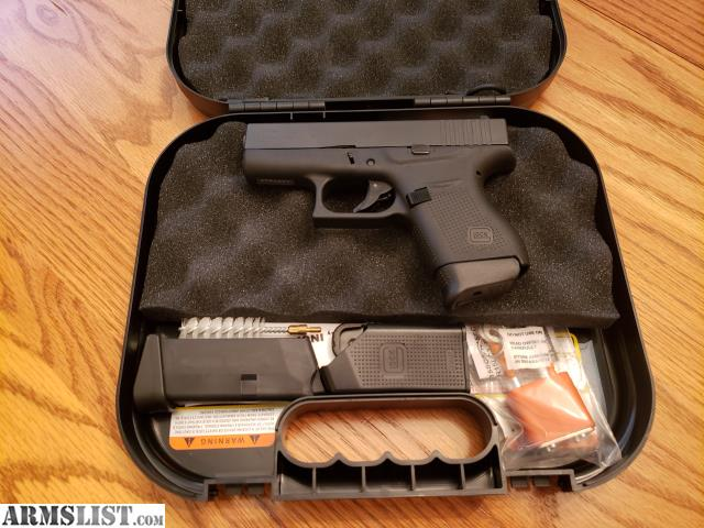 Paperwork Glock Factory Pistol Case w// Lock Cleaning Brush and Rod