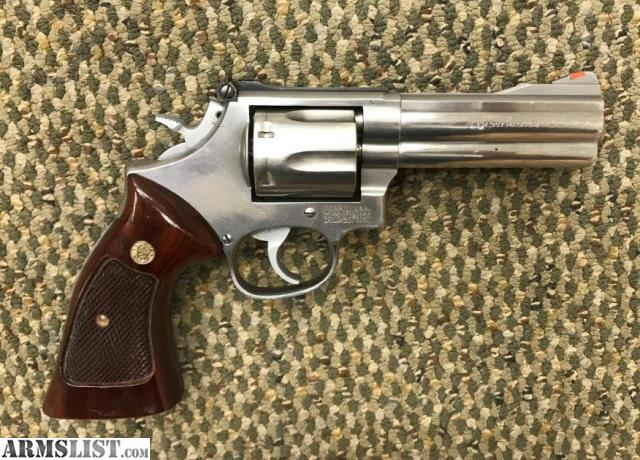 """For Sale: SMITH & WESSON 686-3 4"""" 357 MAGNUM"""