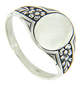 Elegant floral designs decorate the shoulders of this art deco style sterling silver signet ring