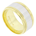 This antique style wedding band is crafted of 18K yellow gold