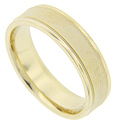 A center matte finish strip is flanked by smoothly polished edges on this 14K yellow gold antique style men's wedding band