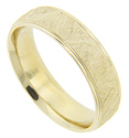 Subtle texturing wraps around the circumference of this 14K yellow gold antique style men's wedding band