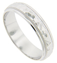 An angular, hammered pattern is flanked by milgrain patterning and smoothly polished edges on this 14K white gold antique style men's wedding band