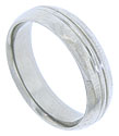 This 14K white gold mens wedding band features softly rounded edges and a smooth polished surface